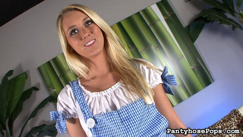 Roxxi silver as dorothy 32. One of our biggest fans sent us an email with a scenario he wanted to see here at Pantyhose Pops. We found the perfect hot porn star to make this happen: Roxxi Silver.
